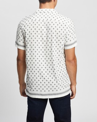 Abercrombie & Fitch Short Sleeve Resort Shirt - Shirts & Polos (White Paisley Geo Placed Border Print)
