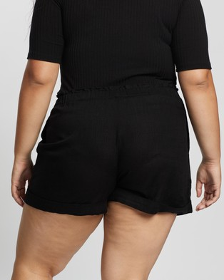 Atmos&Here Curvy Kinsley Linen Shorts - High-Waisted (Black)