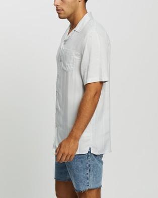 Cotton On Textured Short Sleeve Shirt - Casual shirts (Grey & White Stripe)