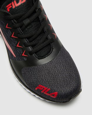 Fila Desio   Men's - Performance Shoes (Black/Grey/Red)