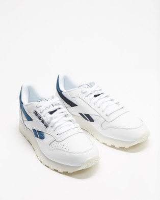 Reebok Classic Leather Shoes   Unisex - Lifestyle Sneakers (Footwear White, Chalk & Vector Navy)