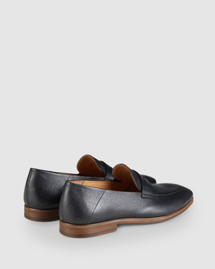 Aquila Fernando Penny Loafers - Dress Shoes (Black)