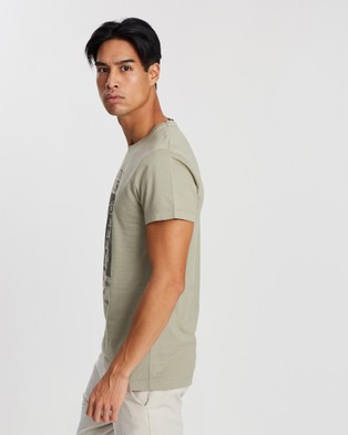Kent and Curwen Logo T Shirt - T-Shirts & Singlets (Green)