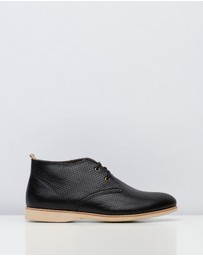 Rollie - Chukka Pin Punch Shoes
