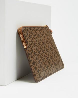DKNY Bryant Wristlet Pouch - Clutches (Mocha & Caramel)