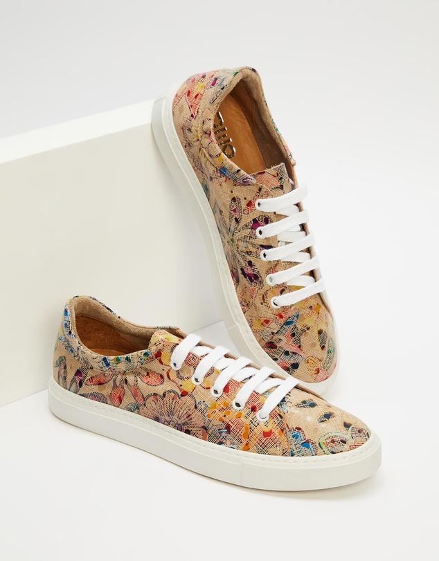 Women Sarena Sneakers