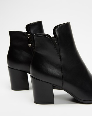 Betsy - Mid Ankle Boots (Black)