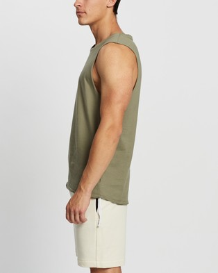 Commune Comm Muscle Tank - T-Shirts & Singlets (Army)