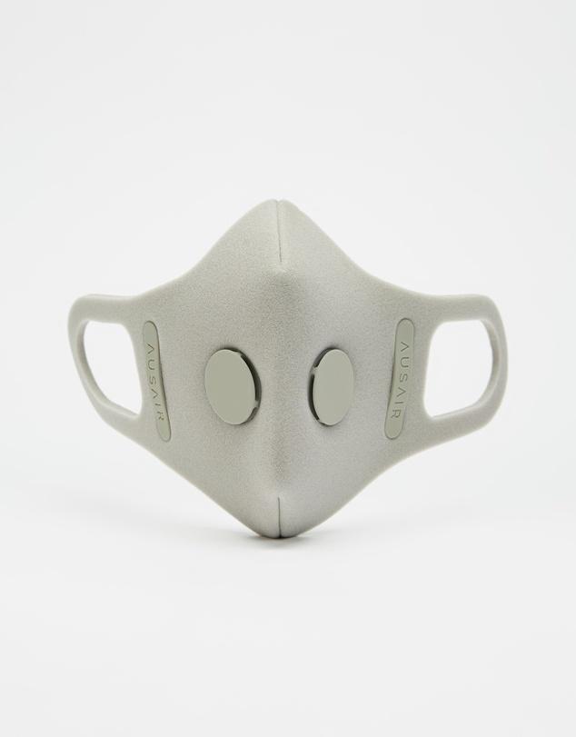 Women 1 x Mask Skin, 2 x Blank Filters, 1 x Anti-Microbial Carry Bag