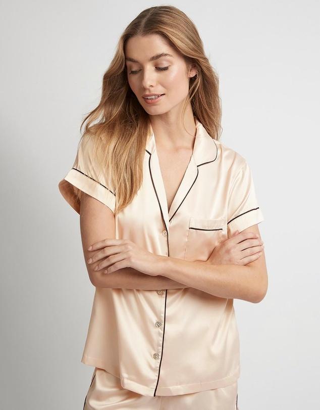 Women Grace Short Piping Pyjama Set
