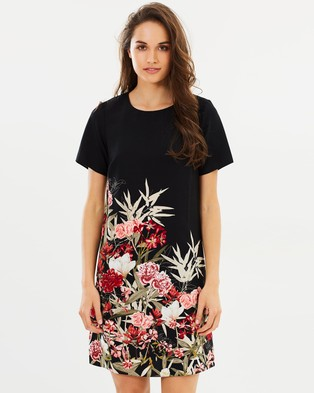 Dorothy Perkins – Placement Floral Shift Dress