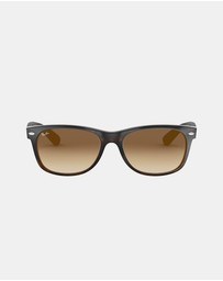 Ray-Ban - New Wayfarer Gradient RB2132