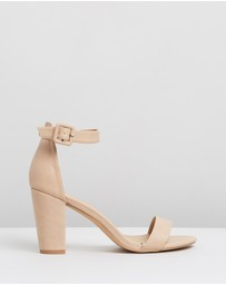 ICONIC EXCLUSIVE - Clara Block Heels
