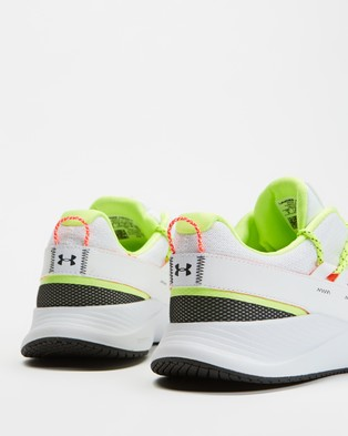 Under Armour UA Charged Breathe Lace Sportstyle   Women's - Performance Shoes (White)