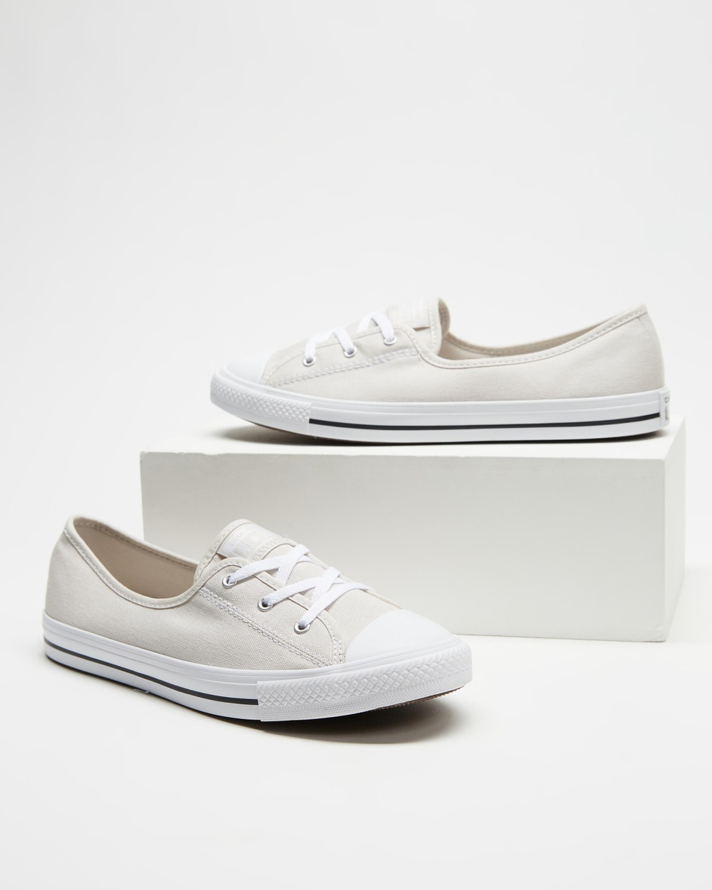 Converse Chuck Taylor All Star Ballet Lace Women's Slip-On Sneakers Pale Putty, White & Black