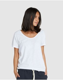 Cloth & Co. - Organic Cotton Scoop V Tee
