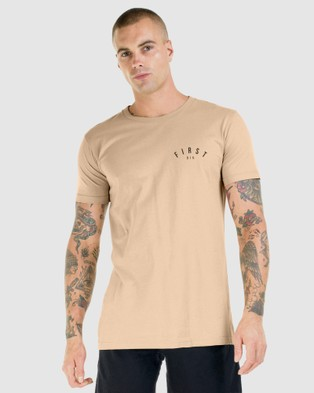 First Division Core Crest Tee - T-Shirts & Singlets (CAMEL)