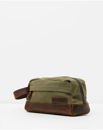 The Huntsman Wash & Travel Bag