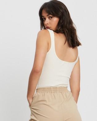 ST MRLO Hamptons Knit Top - T-Shirts & Singlets (White)