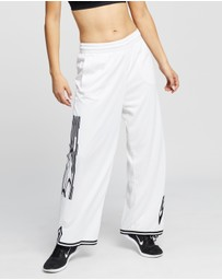 Nike - Sisterhood Sportswear Pants