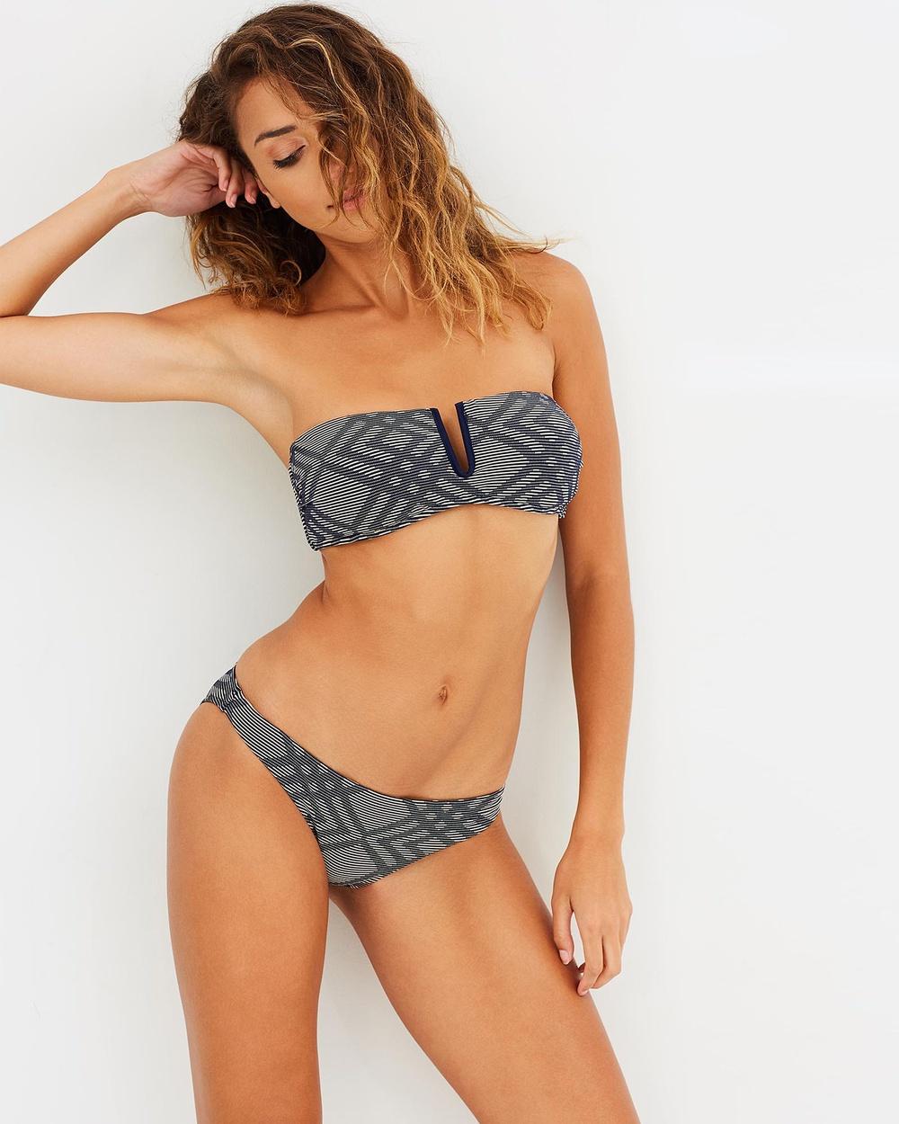 Bondi Born Diamond Bay Regular Bikini Bottoms Bikini Bottoms Navy, Neutrals Diamond Bay Regular Bikini Bottoms