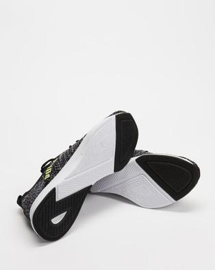 Puma Flyer Runner Engineer Knit   Men's - Performance Shoes (Puma Black, Puma White & Fizzy Yellow)