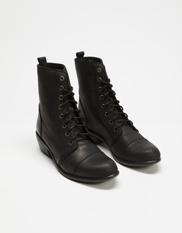 Women Territory Leather Ankle Boots