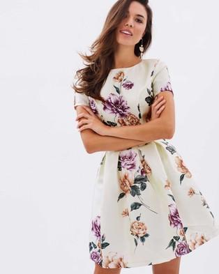 Chi Chi London – Olivia Dress – Dresses (Cream)