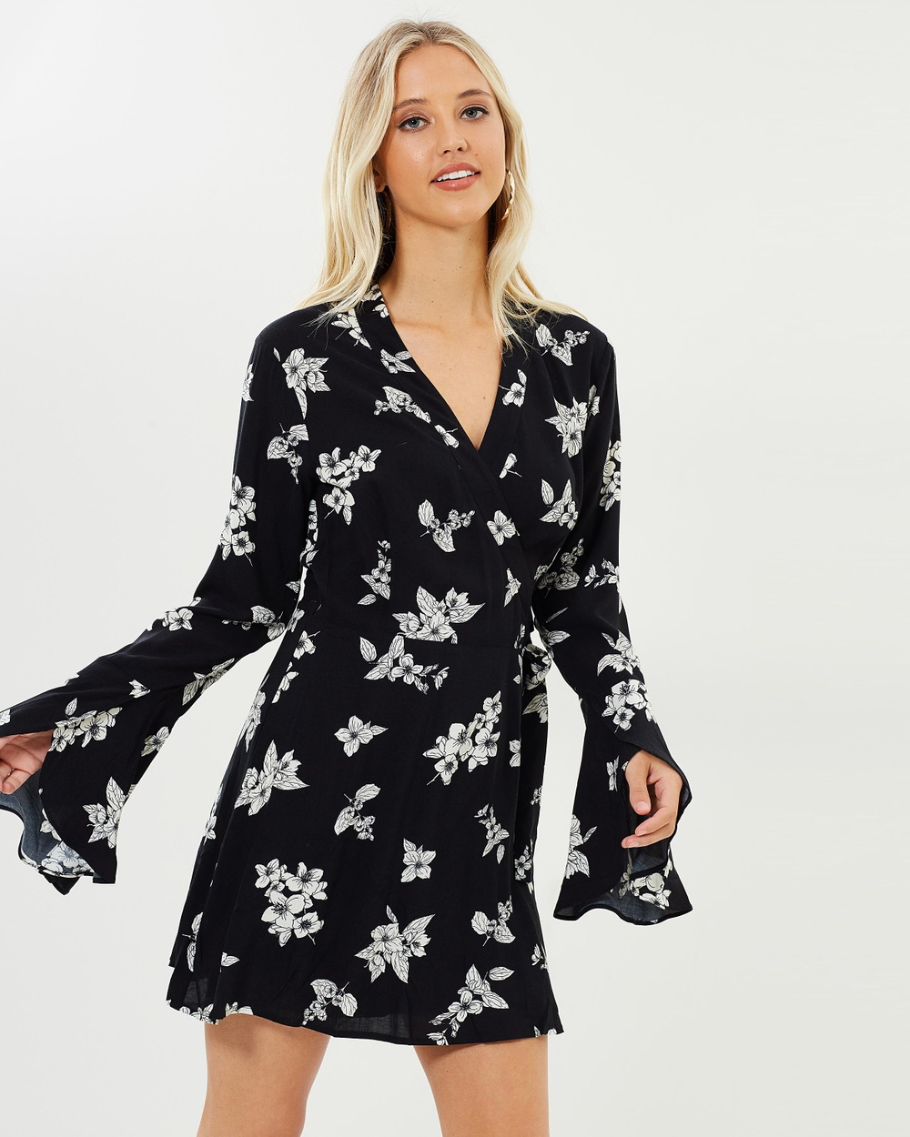 Dazie Persia Jasmine Wrap Dress Printed Dresses Black Base Floral Persia Jasmine Wrap Dress