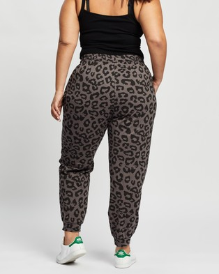 Atmos&Here Curvy Vanessa Relaxed Sweat Pants Sweatpants Charcoal Animal