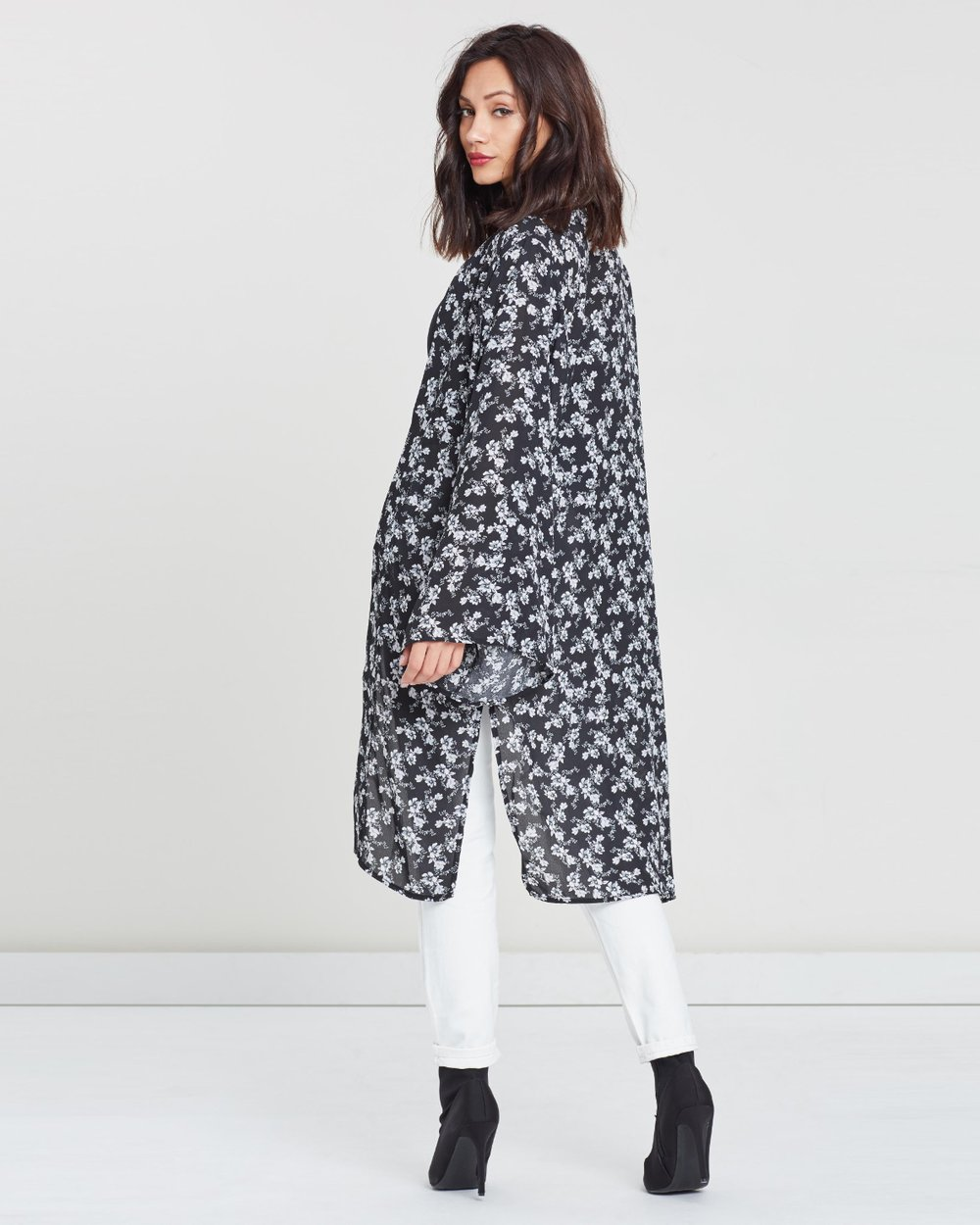 c56b051f011 Floral Long Sleeve Kimono by Missguided Online
