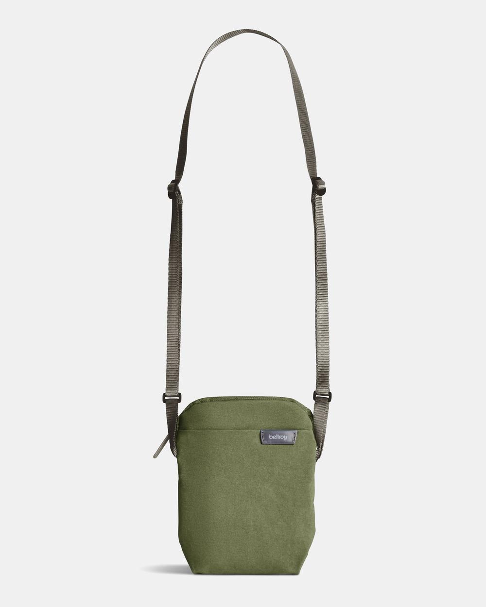 Bellroy City Pouch Bags green