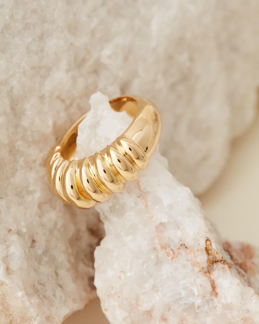Missoma Claw Ridge Ring Jewellery Gold