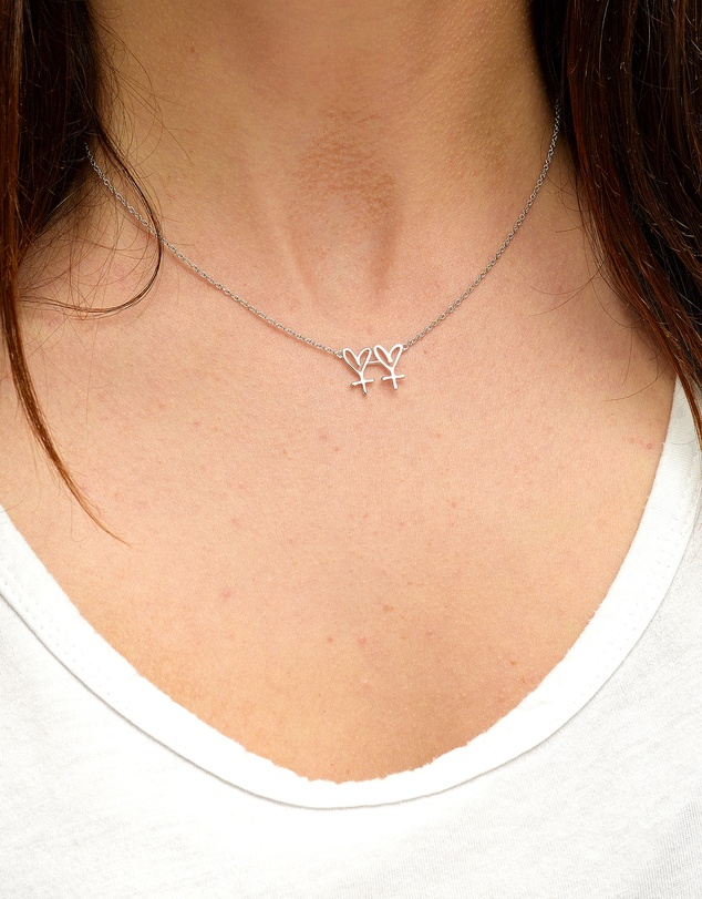 Women Small Twin Hearts Necklace