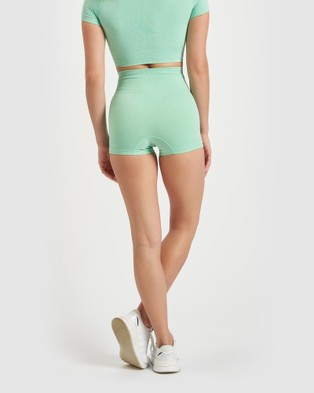 Core Trainer Charlie Active Booty Shorts - Sports Tights (Mint)