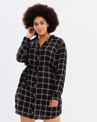 Atmos & Here Curvy – Honey Check Shirt Dress – Dresses (Black Check)