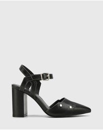 Wittner - Salvadore Leather Pointed Toe Hardware Detail Pump