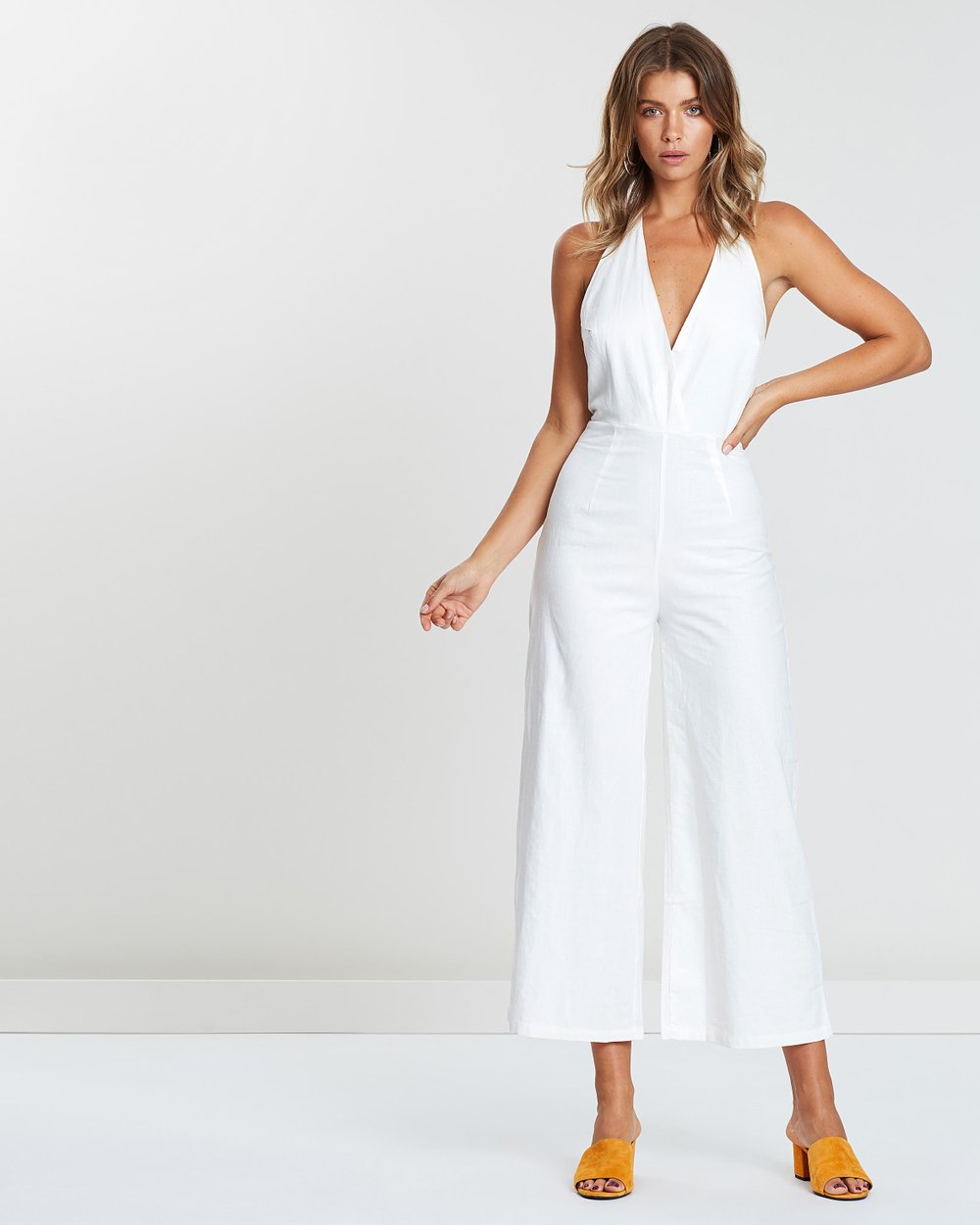 6caaca8477 ICONIC EXCLUSIVE - Evie Linen Halter Neck Jumpsuit by Atmos Here Online