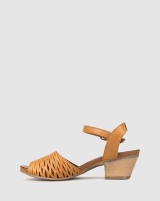 Airflex Judy Laser Cut Sandals - Sandals (Tan)