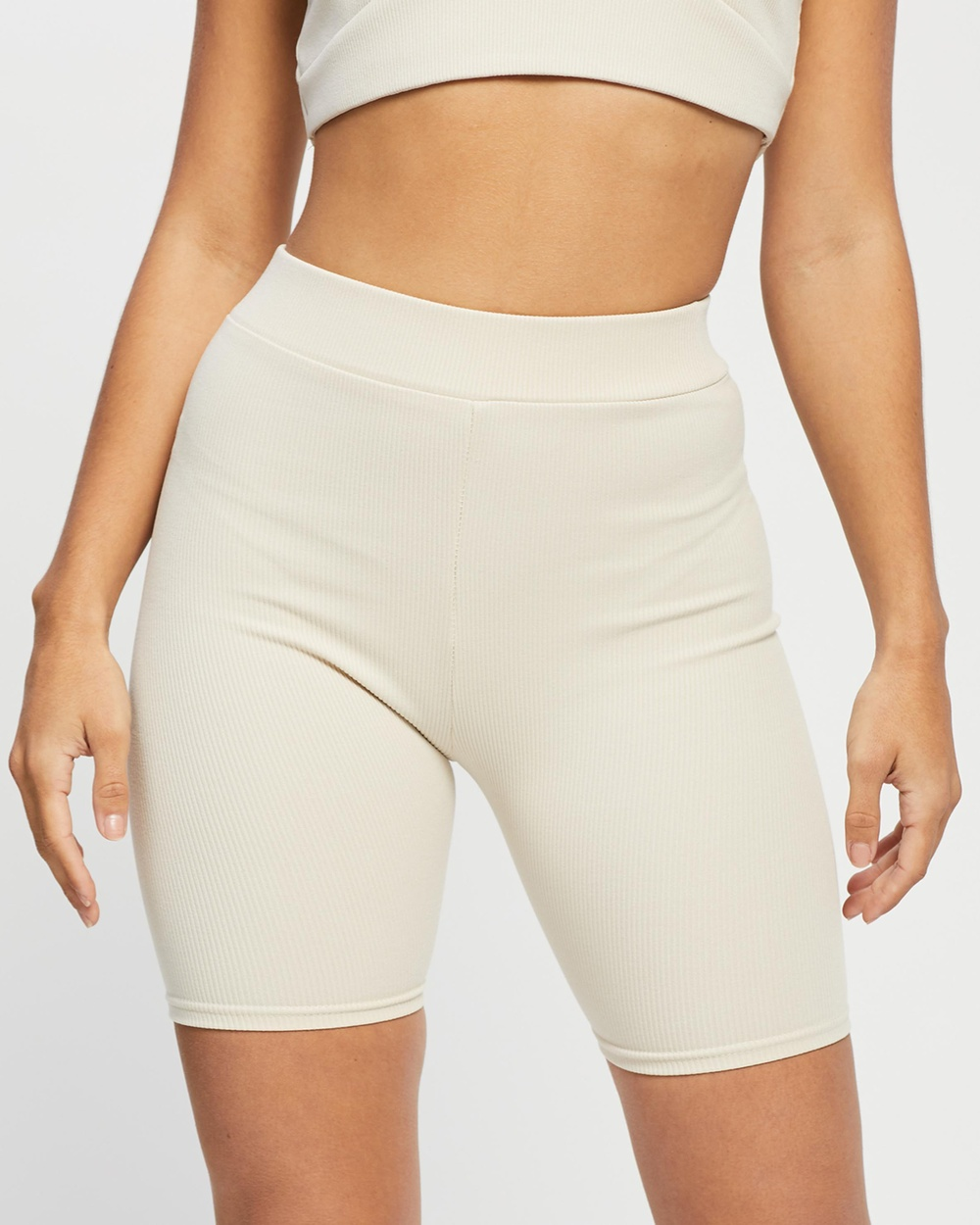 4th & Reckless Ayres Cycling Shorts High-Waisted Beige