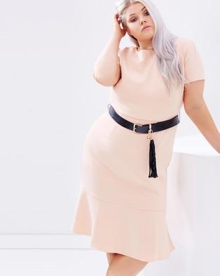 Lost Ink Plus – Pephem Dress with Belt – Bodycon Dresses (Blush)