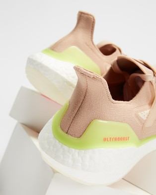 adidas Performance Ultraboost 21   Women's - Performance Shoes (Ash Pearl, Cloud White & Halo Ivory)