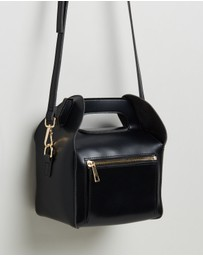 TOPSHOP - Chrissy Boxy Cross-Body Bag