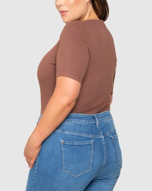 Forever New Curve Daniella Curve Square Neck Ribbed Top - Tops (Chocolate)