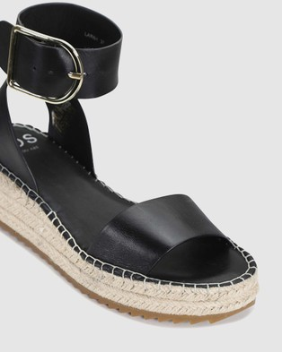 Eos Larah - Wedges (Black)