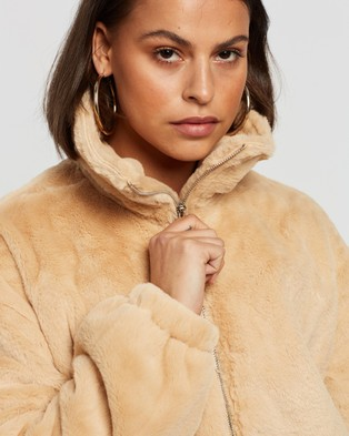 Missguided Cropped Faux Fur Bomber Jacket - Coats & Jackets (Camel)