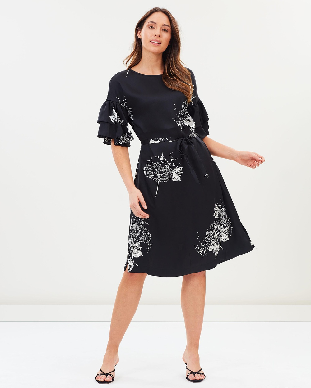 Wite Champagne Flower Dress Printed Dresses Black & Ivory Champagne Flower Dress