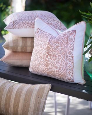 Bandhini Design Kilim Blush Lounge Cushion - Home (White)