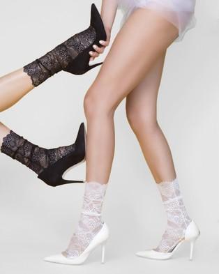 High Heel Jungle Scalloped Lace Socks - Socks & Tights (Black)