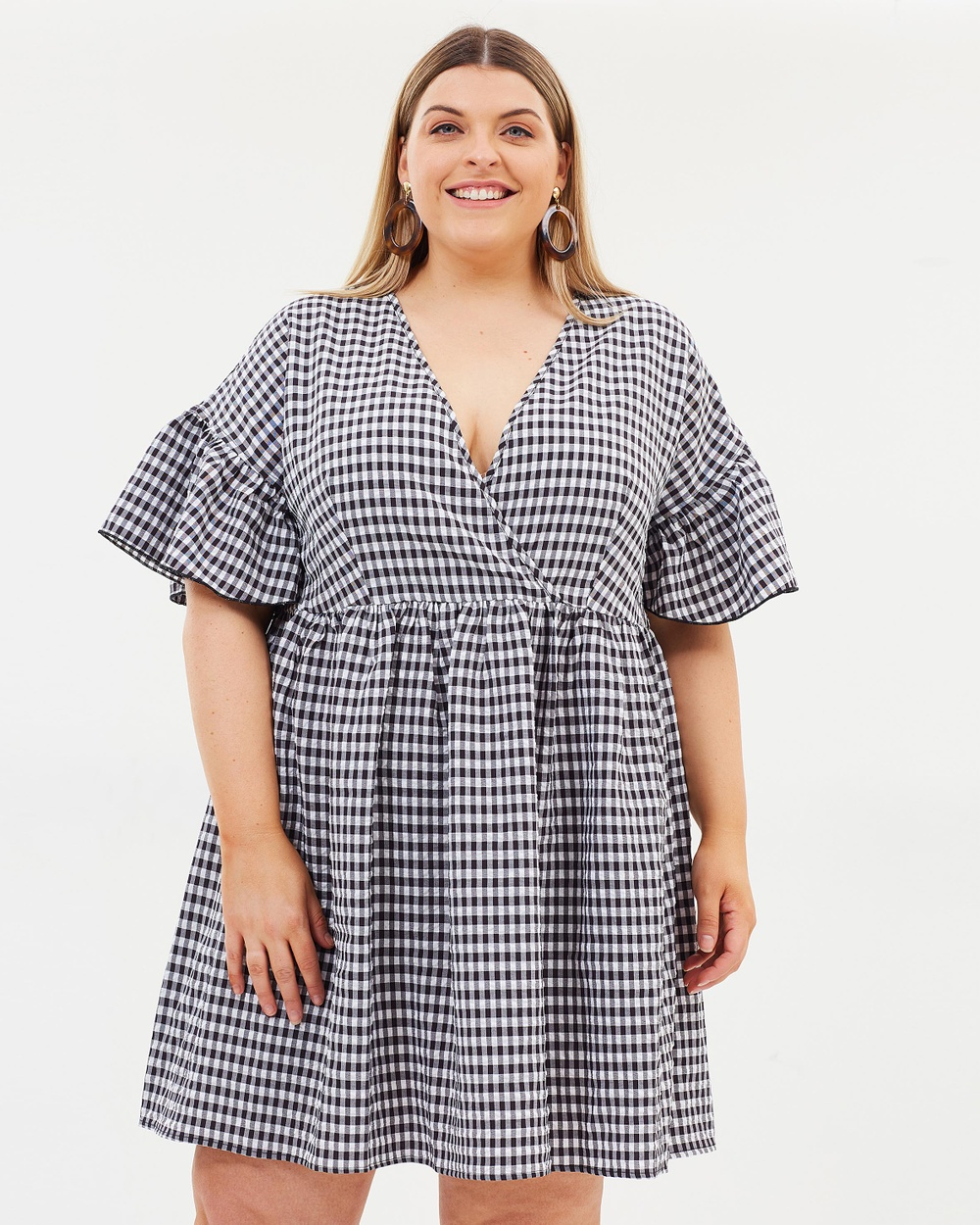 Atmos & Here Curvy ICONIC EXCLUSIVE Jessie Smock Dress Dresses Gingham ICONIC EXCLUSIVE Jessie Smock Dress